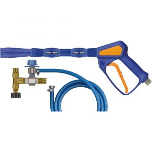 Набор для нанесения пены, включает: пенокопье 245мм с пистолетом Easywash365+ (LTF) и пенонасадкой ST-75 с форсункой воздушного инжектора 1,90мм, инжектор ST-160 с дозирующим вентилем ST-161, с всасывающим шлангом длиной 1м. и фильтром ST-32, тройник с фитингами M22x1,5(Г/Ш) для подключения к аппарату высокого давления. До 250бар 25л/мин 90°C. Вход на пистолете – 3/8″BSP(Г) с вращ.соединением, выход под шланги ВД – M22x1,5(Ш)